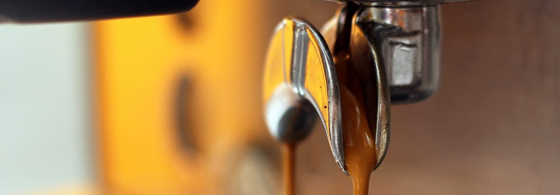 La machine à café à grain et la machine à café à capsule
