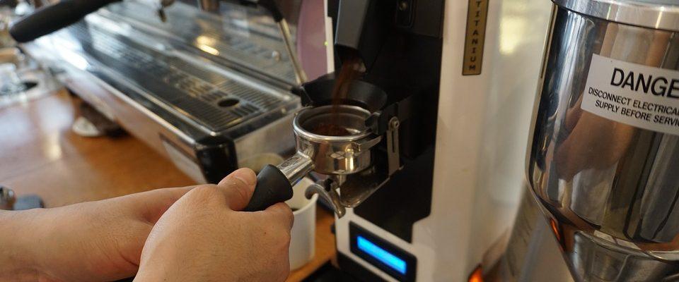 Machine à café avec broyeur de grains