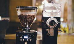 Broyeur a grain classique avec machine à café